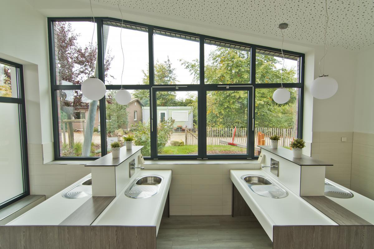 Sanitärhaus-Meisenweg-Küche-u-Abwäsche